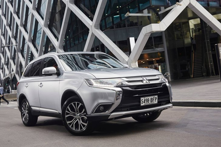 Review - 2016 Mitsubishi Outlander Review and First Drive | CarShowroom.com.au