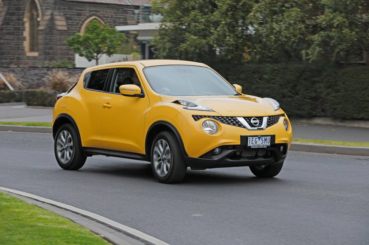 review 2015 nissan juke review and first drive. Black Bedroom Furniture Sets. Home Design Ideas