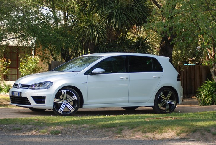 2015 VOLKSWAGEN GOLF 5D HATCHBACK R