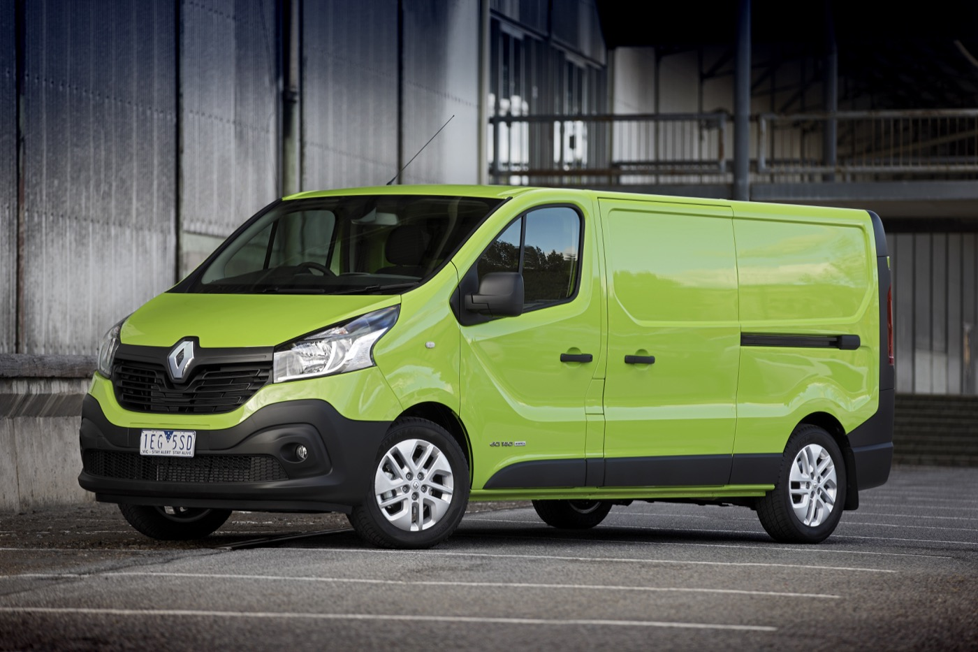 First Team Subaru >> Review - 2015 Renault Trafic Review and First Drive