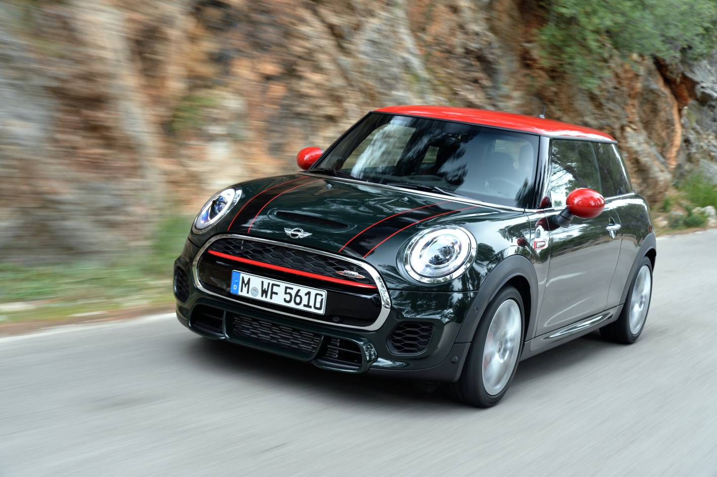 news 2015 mini john cooper works price and specifications. Black Bedroom Furniture Sets. Home Design Ideas