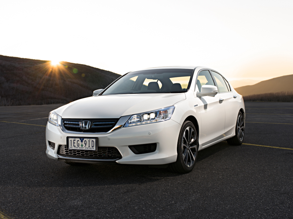 news 2015 honda accord hybrid sport price and specifications. Black Bedroom Furniture Sets. Home Design Ideas