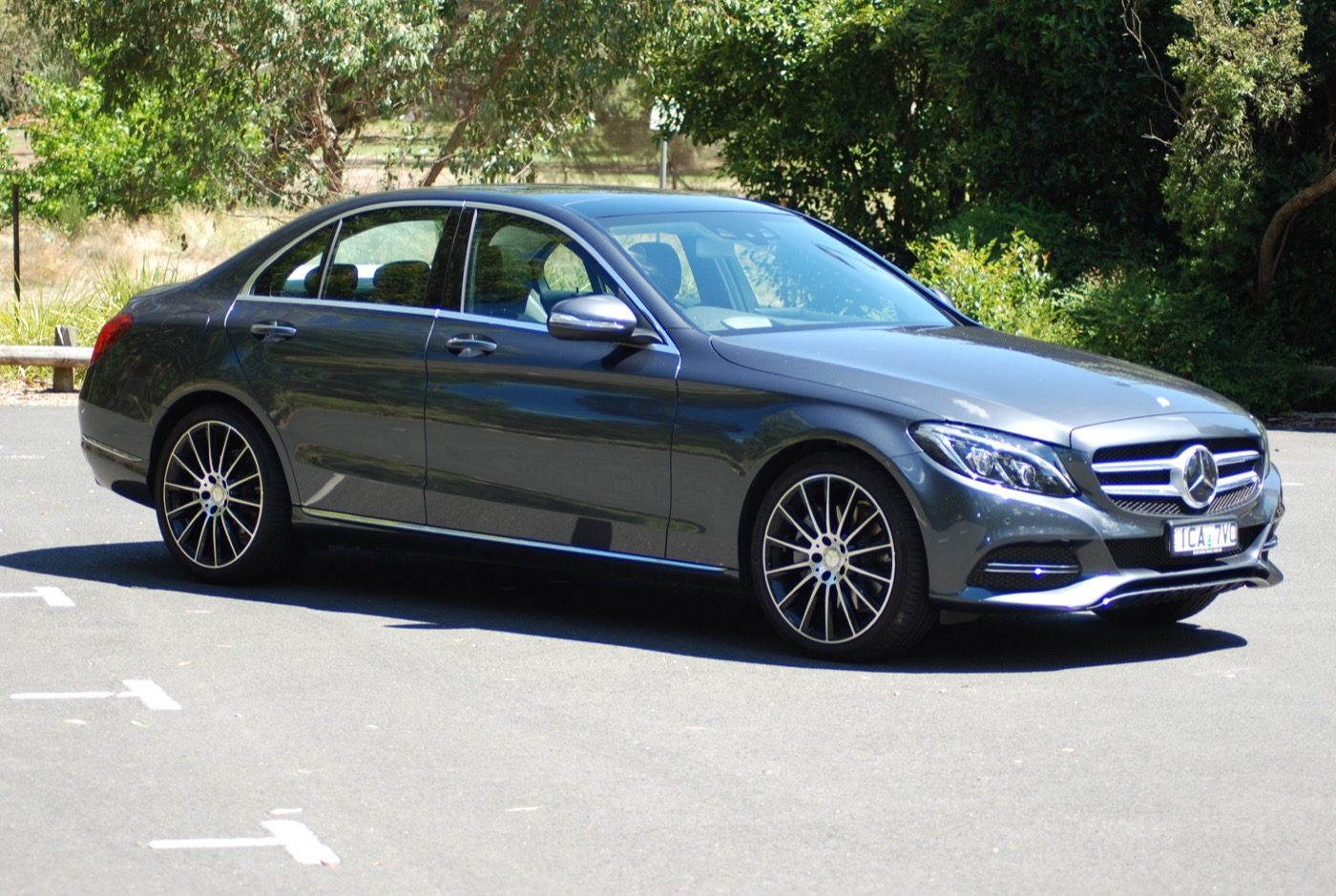 Review Mercedes Benz C300 Bluetec Hybrid Review