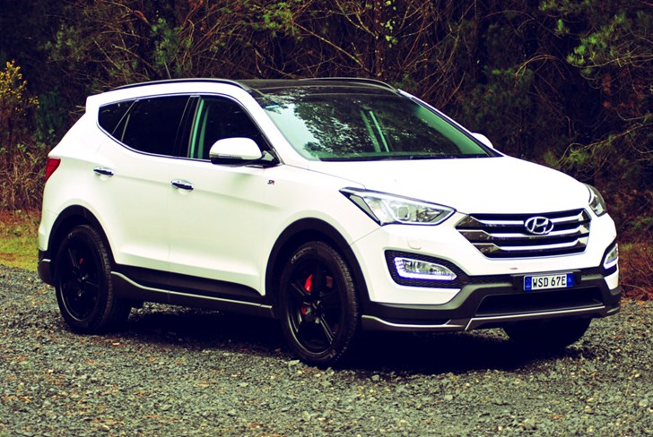 Review - 2015 Hyundai Santa Fe SR Review & Road Test | CarShowroom.com ...