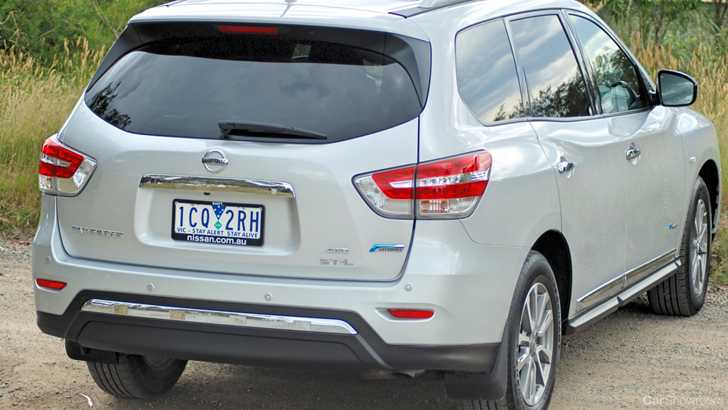 Review  2015 Nissan Pathfinder Hybrid STL Review