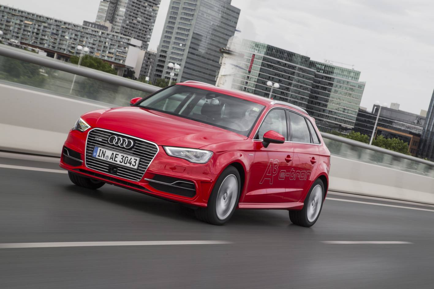 Review 2015 audi a3 e tron review and first drive for Audi a3 e tron scheda tecnica
