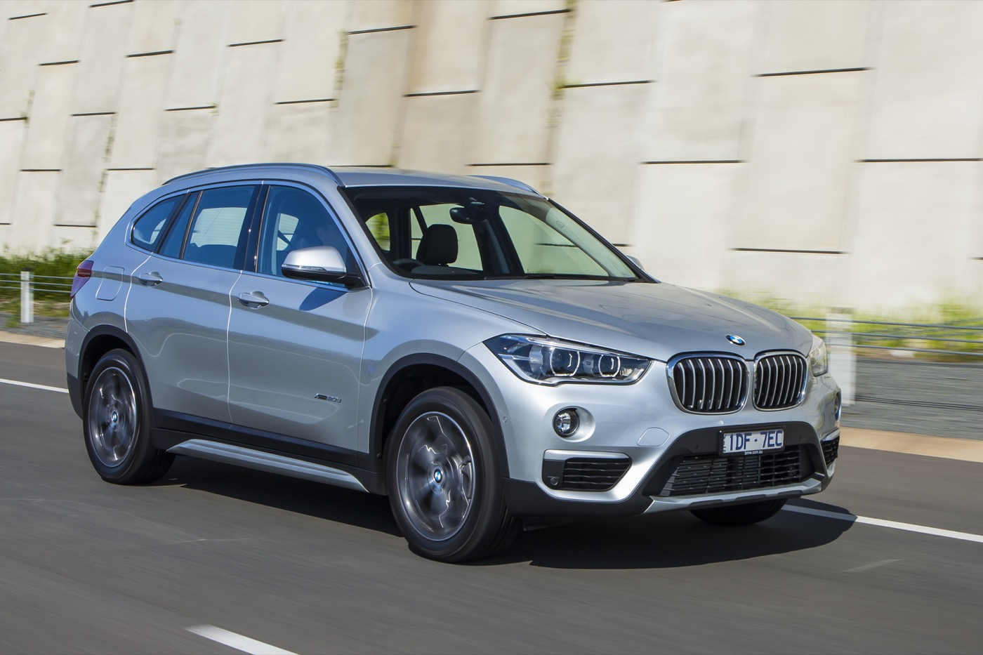 review 2015 bmw x1 review first drive. Black Bedroom Furniture Sets. Home Design Ideas