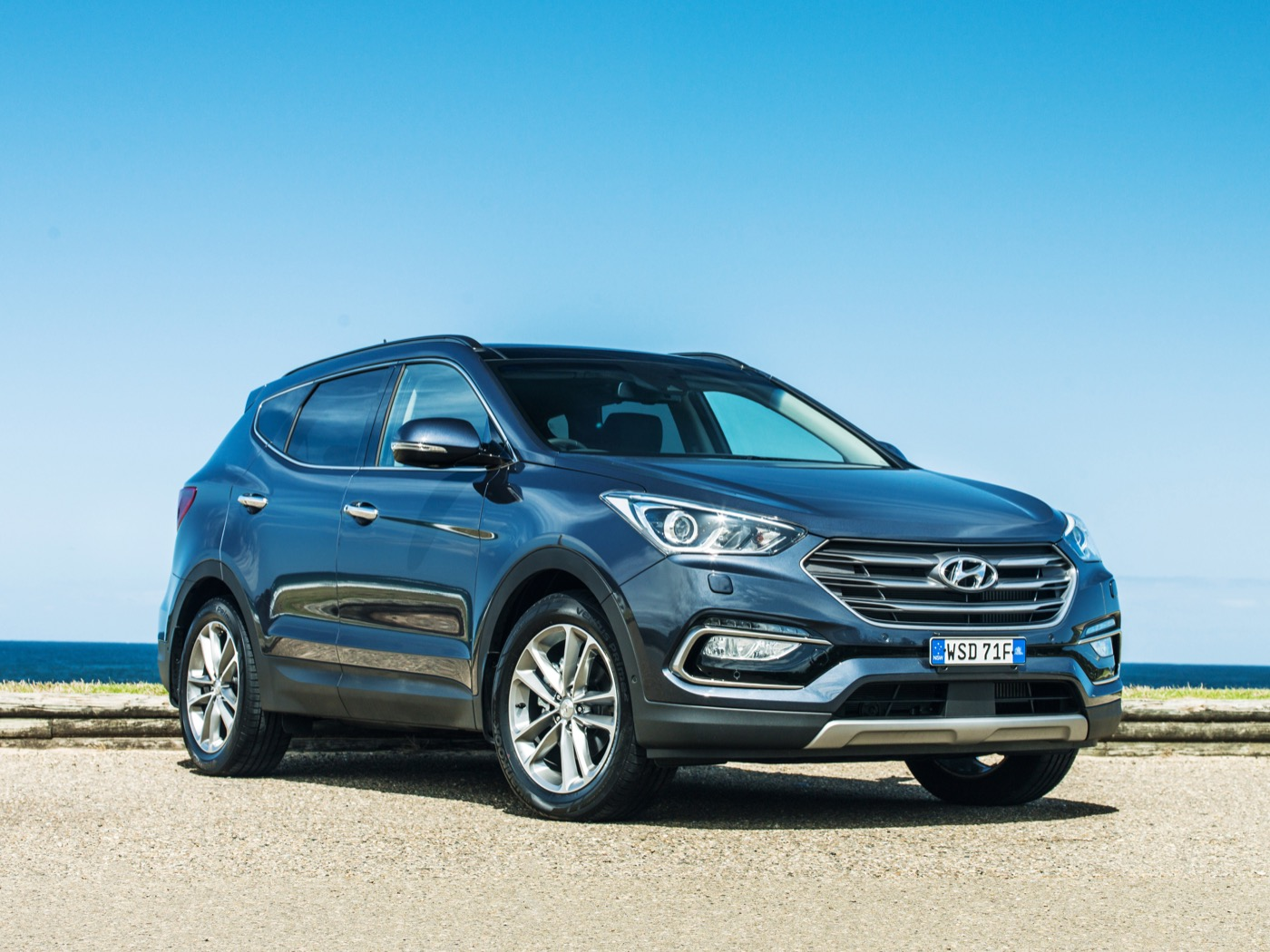 news 2015 hyundai santa fe series ii price and specifications. Black Bedroom Furniture Sets. Home Design Ideas