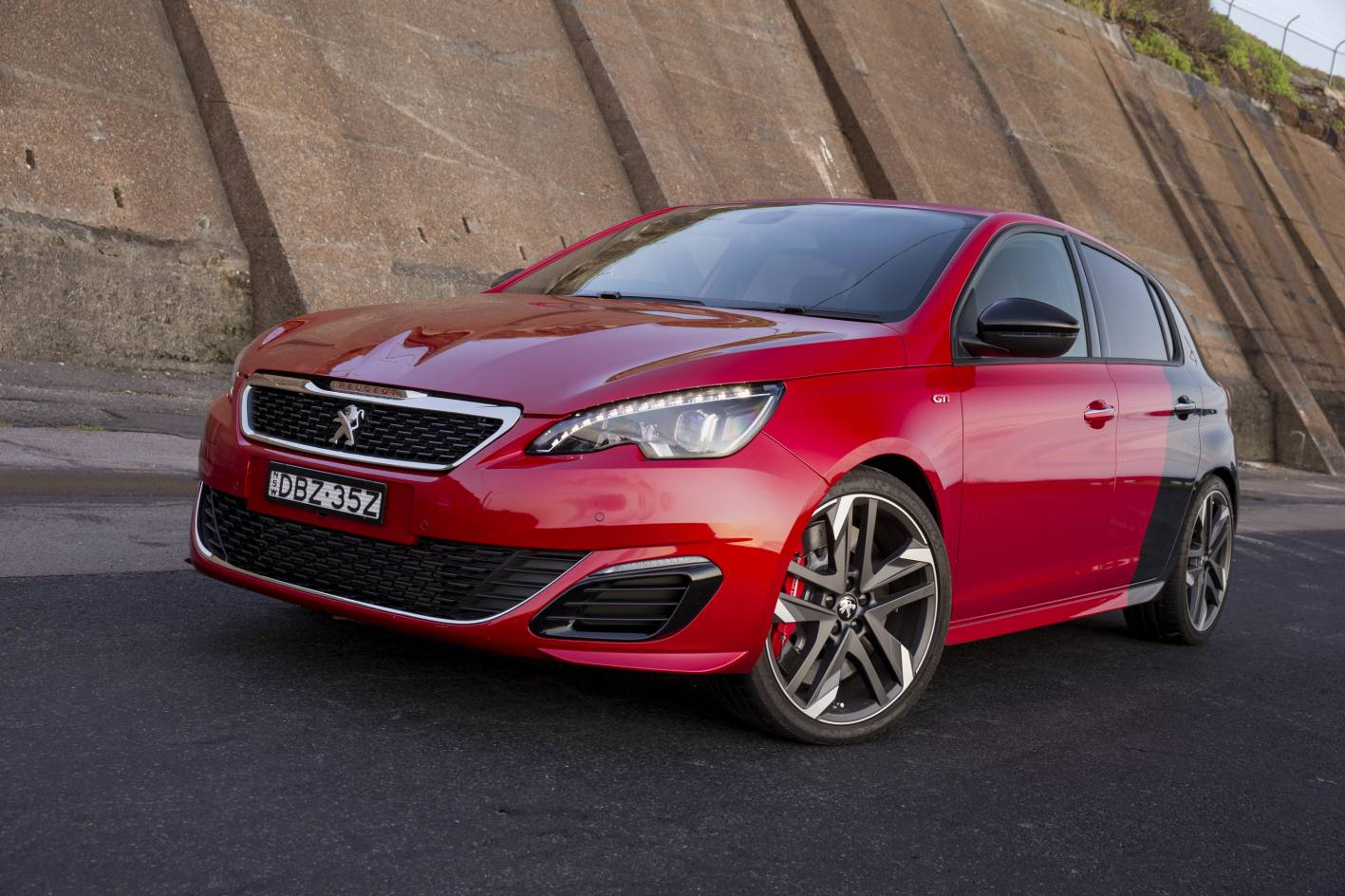 Review - 2016 Peugeot 308 GTi Review and Road Test