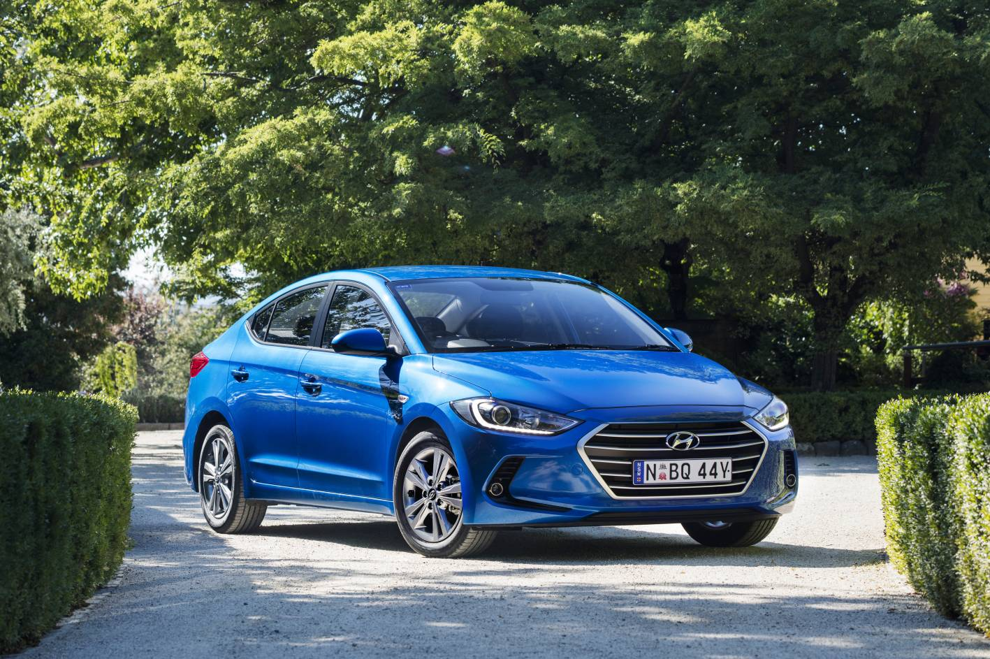 news hyundai reveals all new 2016 elantra prices and specs. Black Bedroom Furniture Sets. Home Design Ideas