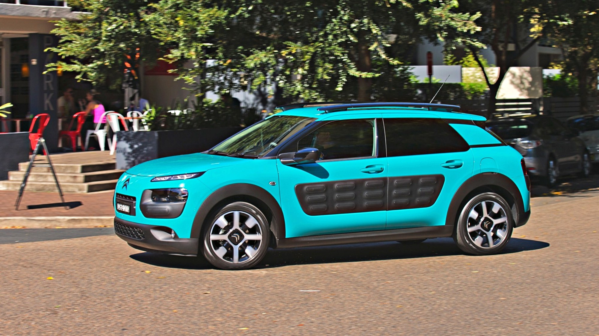 review 2016 citroen c4 cactus exclusive review. Black Bedroom Furniture Sets. Home Design Ideas
