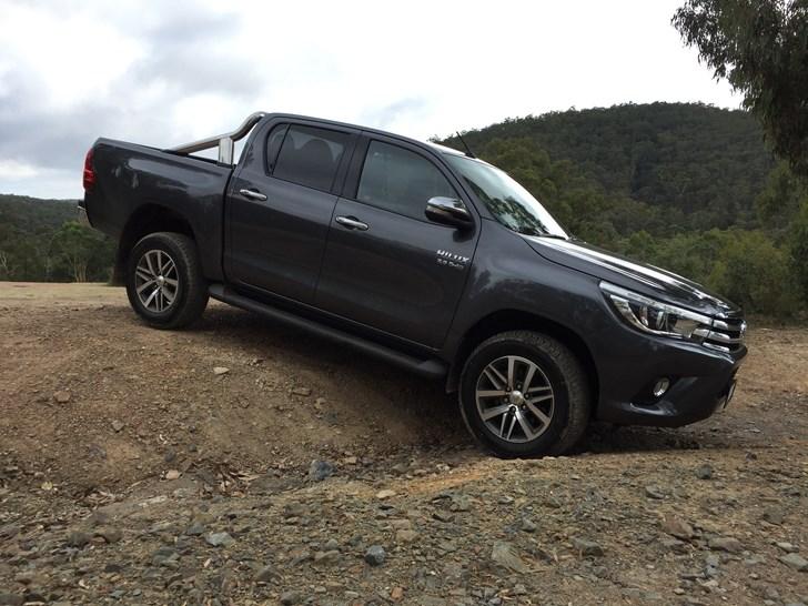 New 2016 Toyota Hilux Sr5 Off Road 2016 Toyota Hilux Sr5