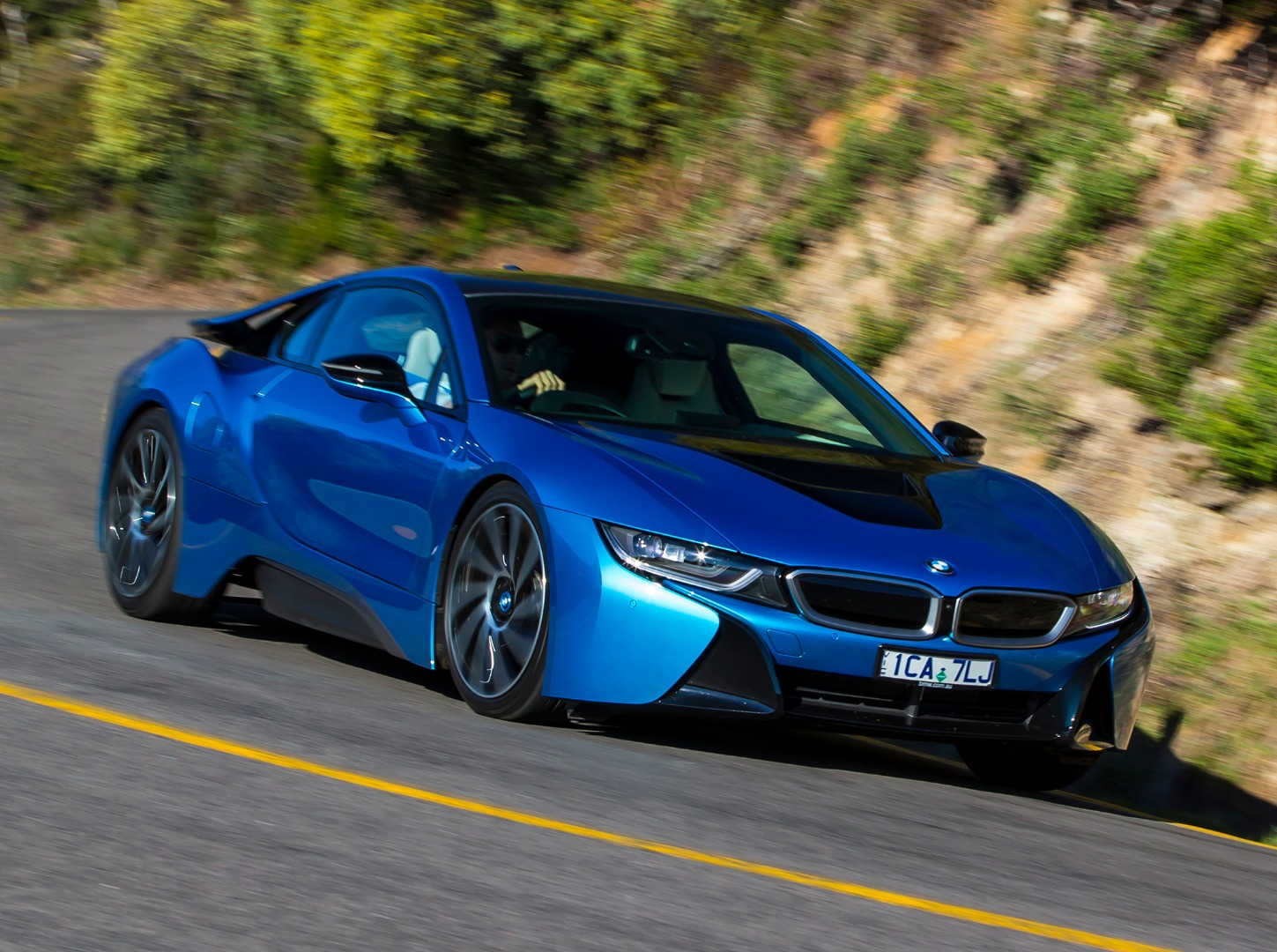 news bmw s i8 sports car to get more power range with facelift. Black Bedroom Furniture Sets. Home Design Ideas