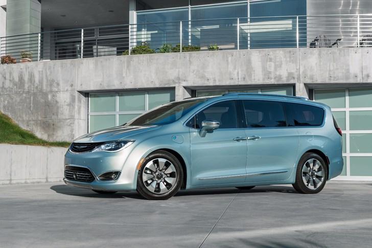 Google, Fiat Chrysler Inks Partnership Toward Self-Driving Cars