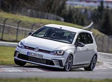 Volkswagen Golf GTI Clubsport S Is New FWD King Of The Ring