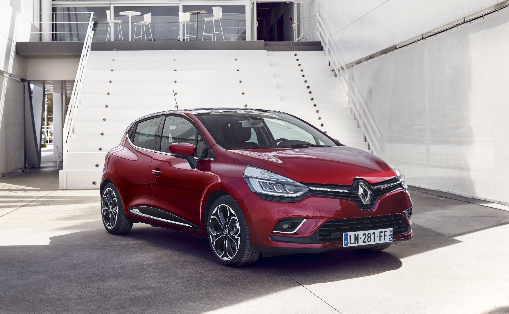 Renault's Revised 2016 Clio Unveiled  Thumbnail