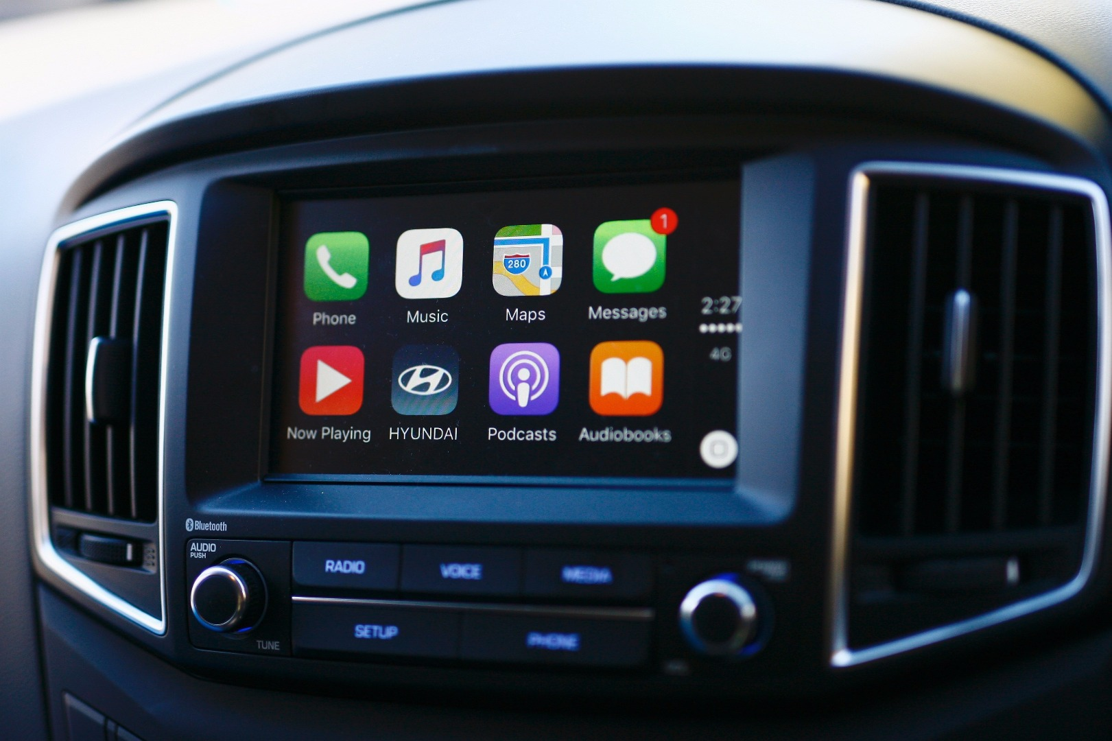 news hyundai adds apple carplay support to accent imax
