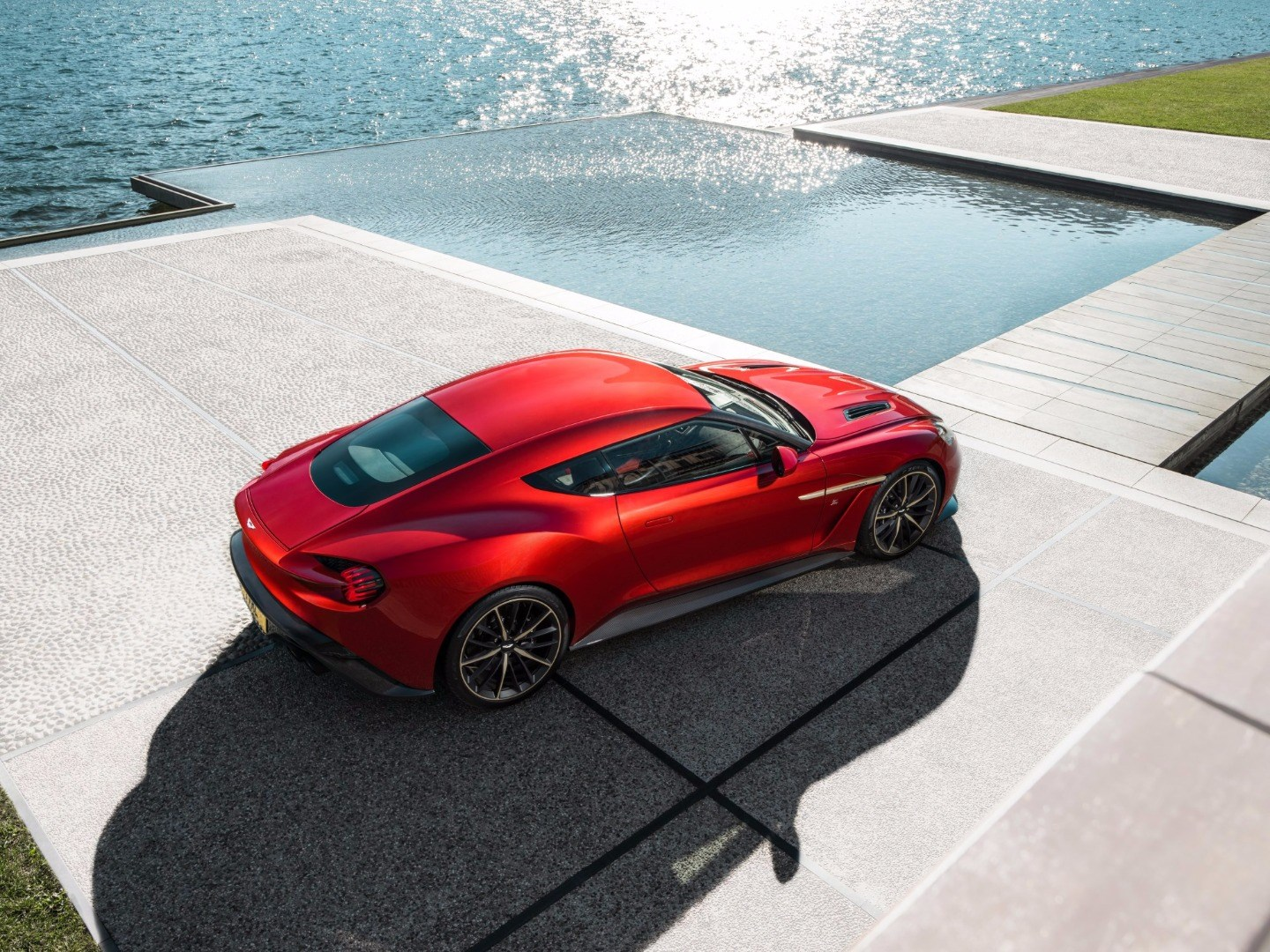 Aston Martin To Produce 99 Vanquish Zagato Coupes Thumbnail