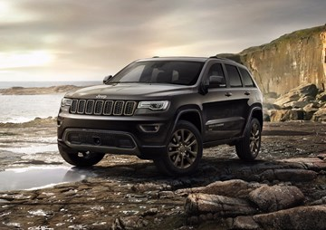 Jeep Gives Grand Cherokee Some Annual Enhancements