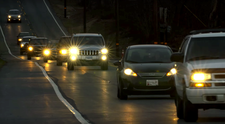 IIHS Finds Most New Car Headlights Have Awful Headlights