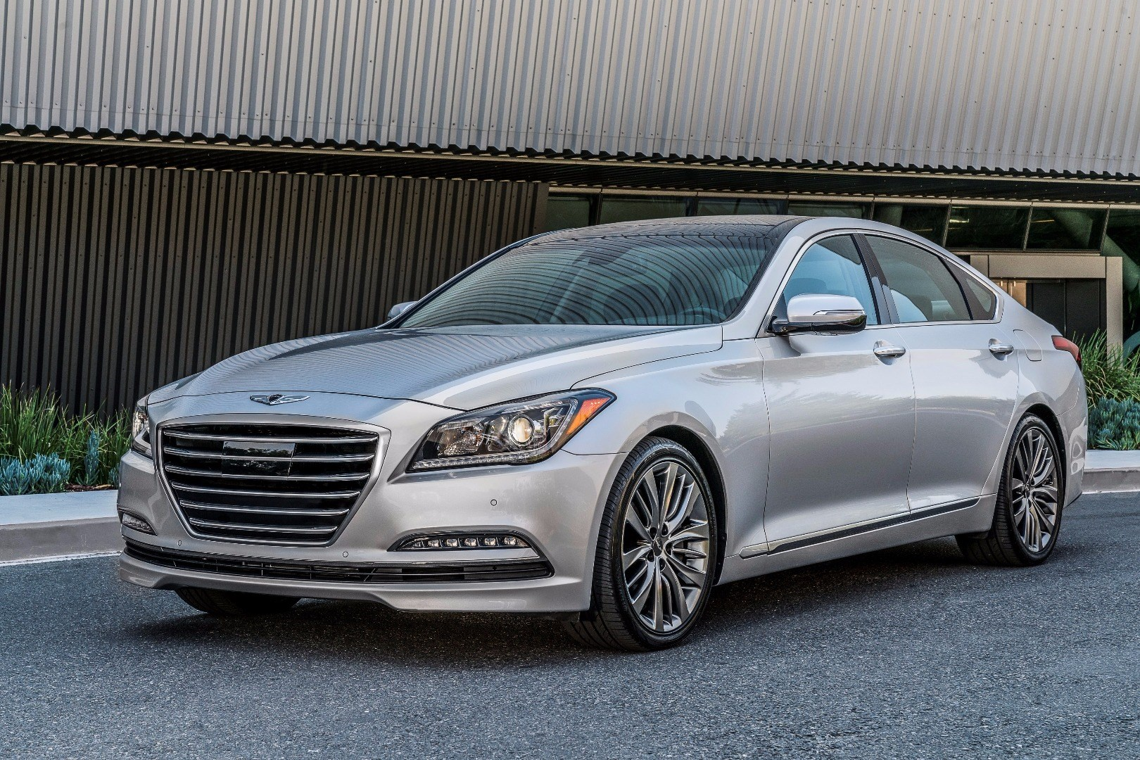Genesis G80 Launches To Replace Hyundai Luxury Saloon Thumbnail