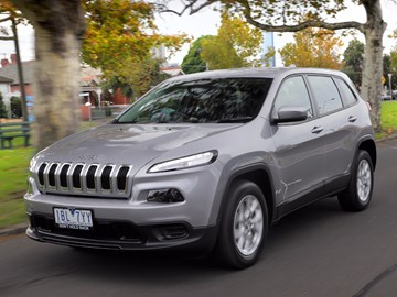 FCA Recalls Over 320k Jeep Cherokees, Renegades For Electrical Fault