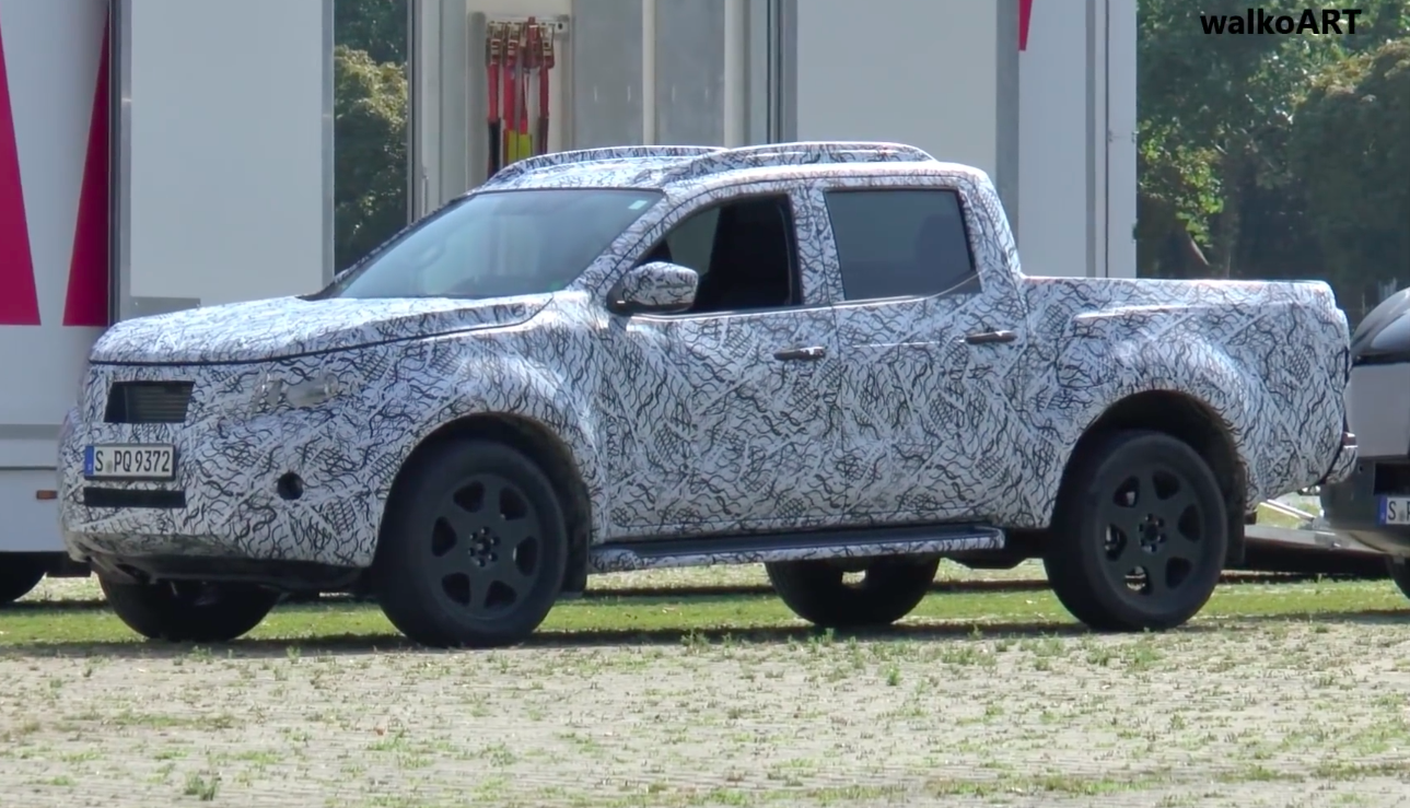 News disguised mercedes benz pick up spied in the wild for Mercedes benz pick up