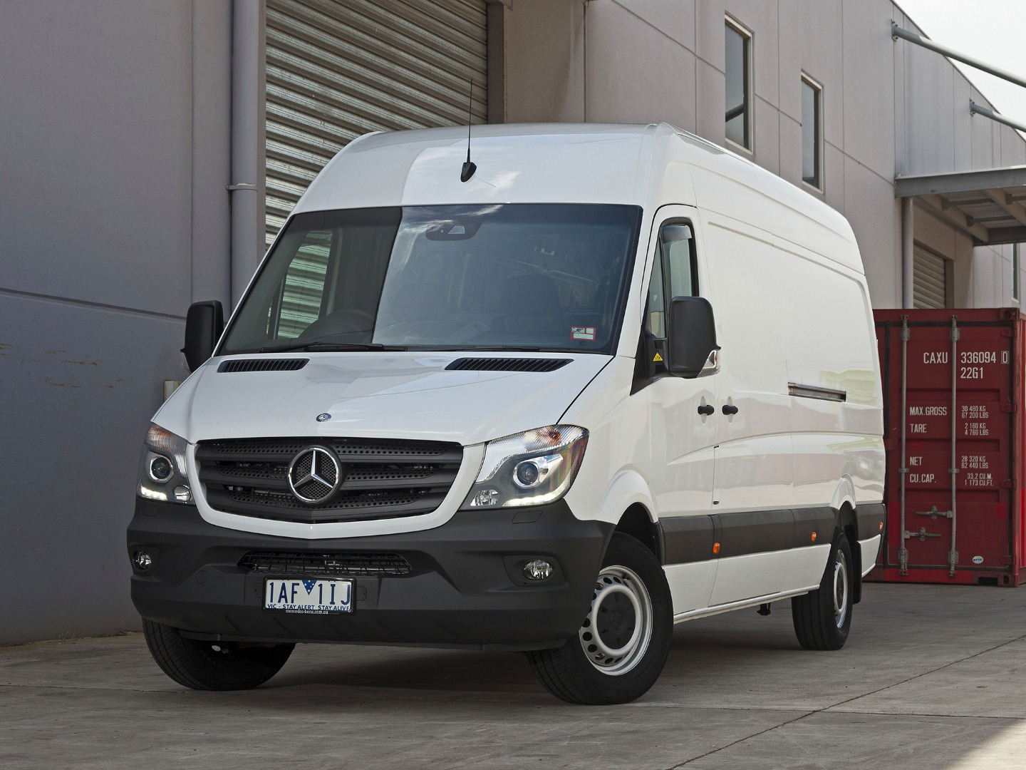 News mercedes benz s next sprinter van to be fully electric for Mercedes benz financial commercial