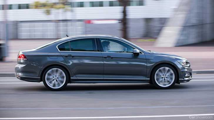 news volkswagen australia confirms passat 206tsi r line. Black Bedroom Furniture Sets. Home Design Ideas