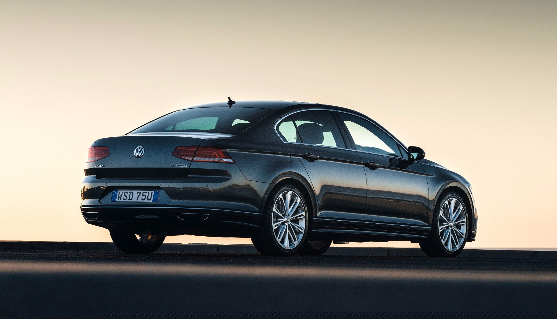 Hot 206kW Volkswagen Passat To Hit Oz In October Thumbnail