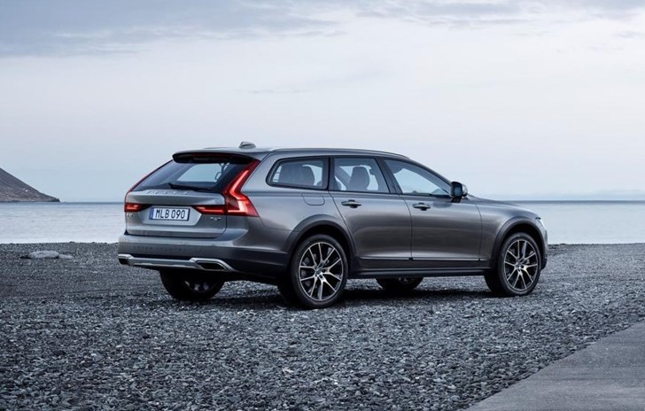 Volvo Reveals V90 Cross Country In Sweden