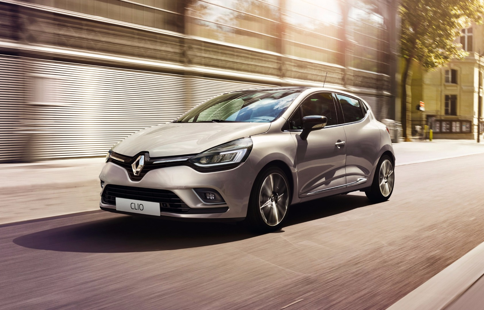 news next renault clio to get big interior upgrade hybrid assist. Black Bedroom Furniture Sets. Home Design Ideas