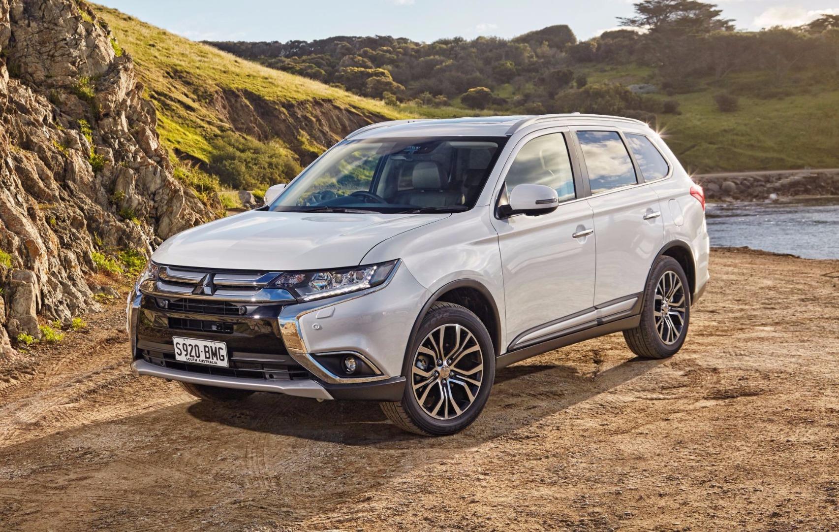 News Mitsubishi Australia Rolls Out 2017 Outlander Update