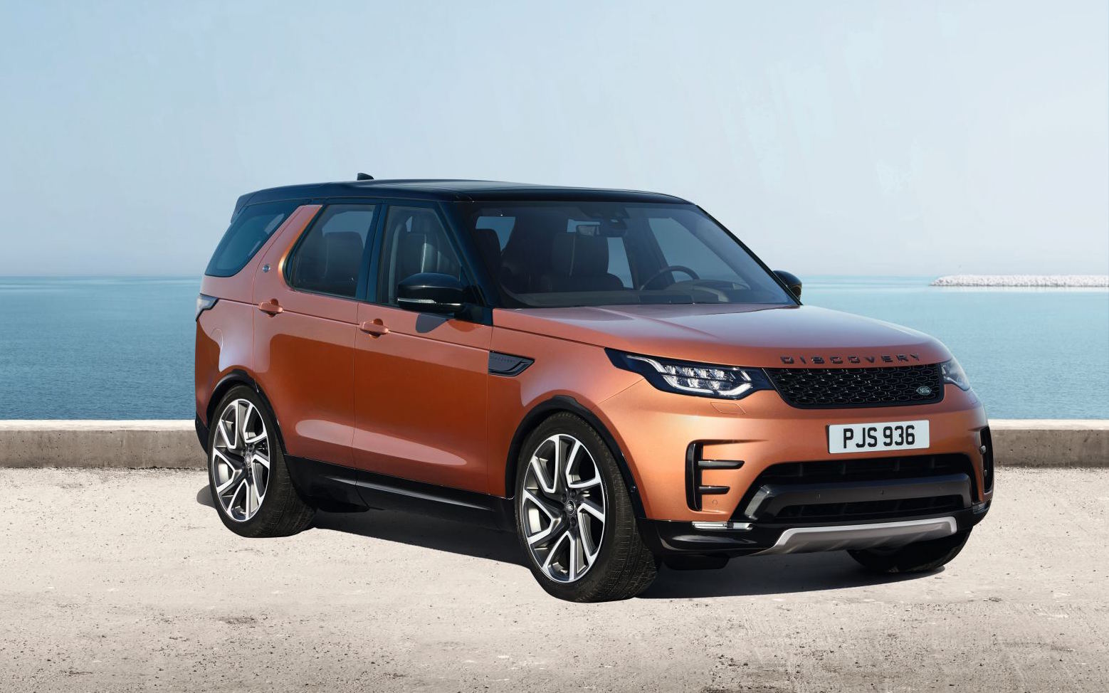 news land rover s all new discovery breaks cover in paris. Black Bedroom Furniture Sets. Home Design Ideas