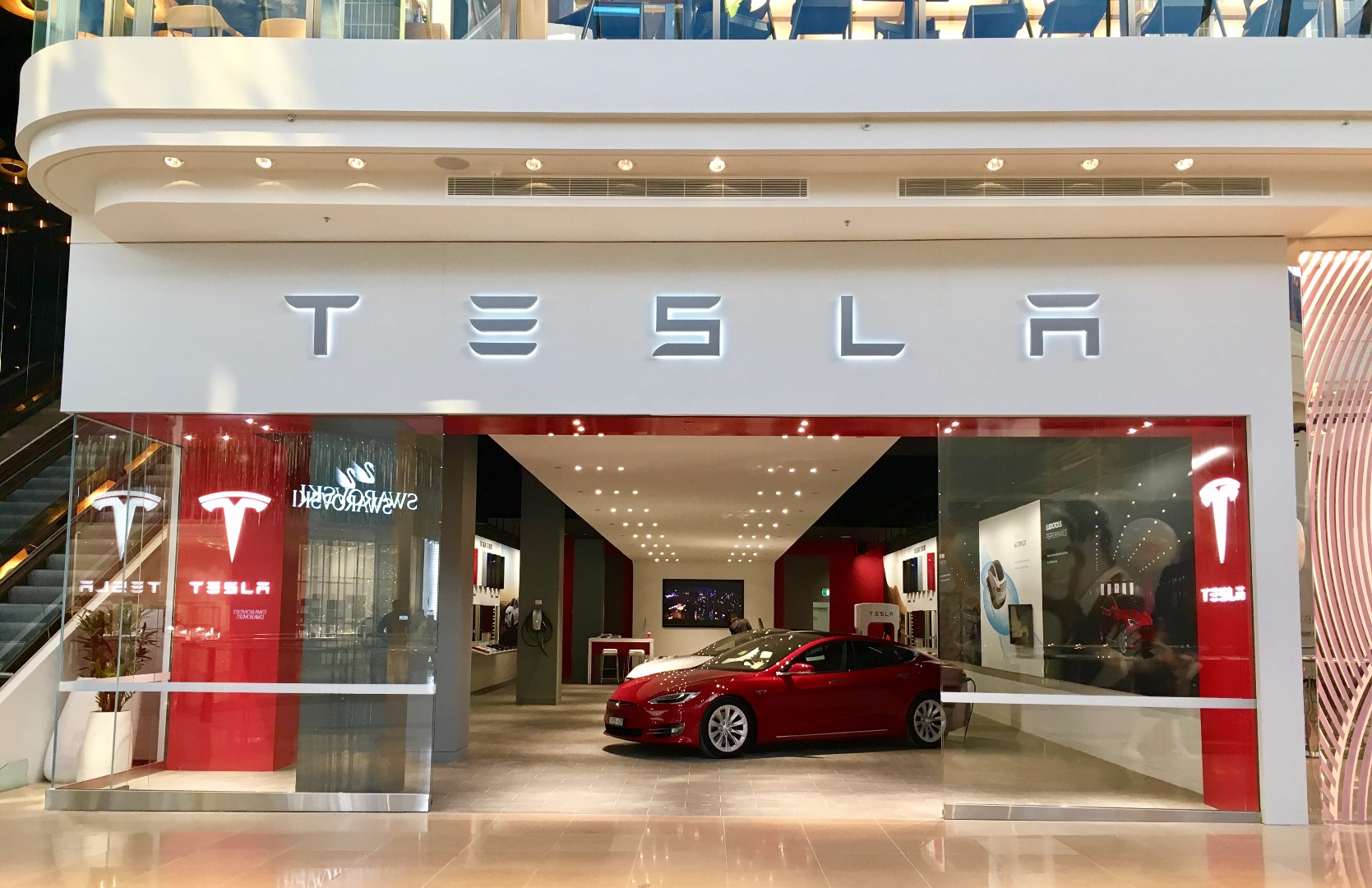 News Tesla Opens New Melbourne Store In Chadstone