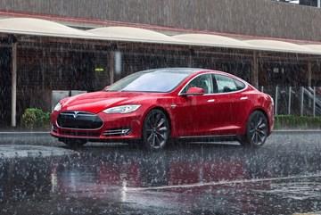 2015 Tesla Model S - Autopilot