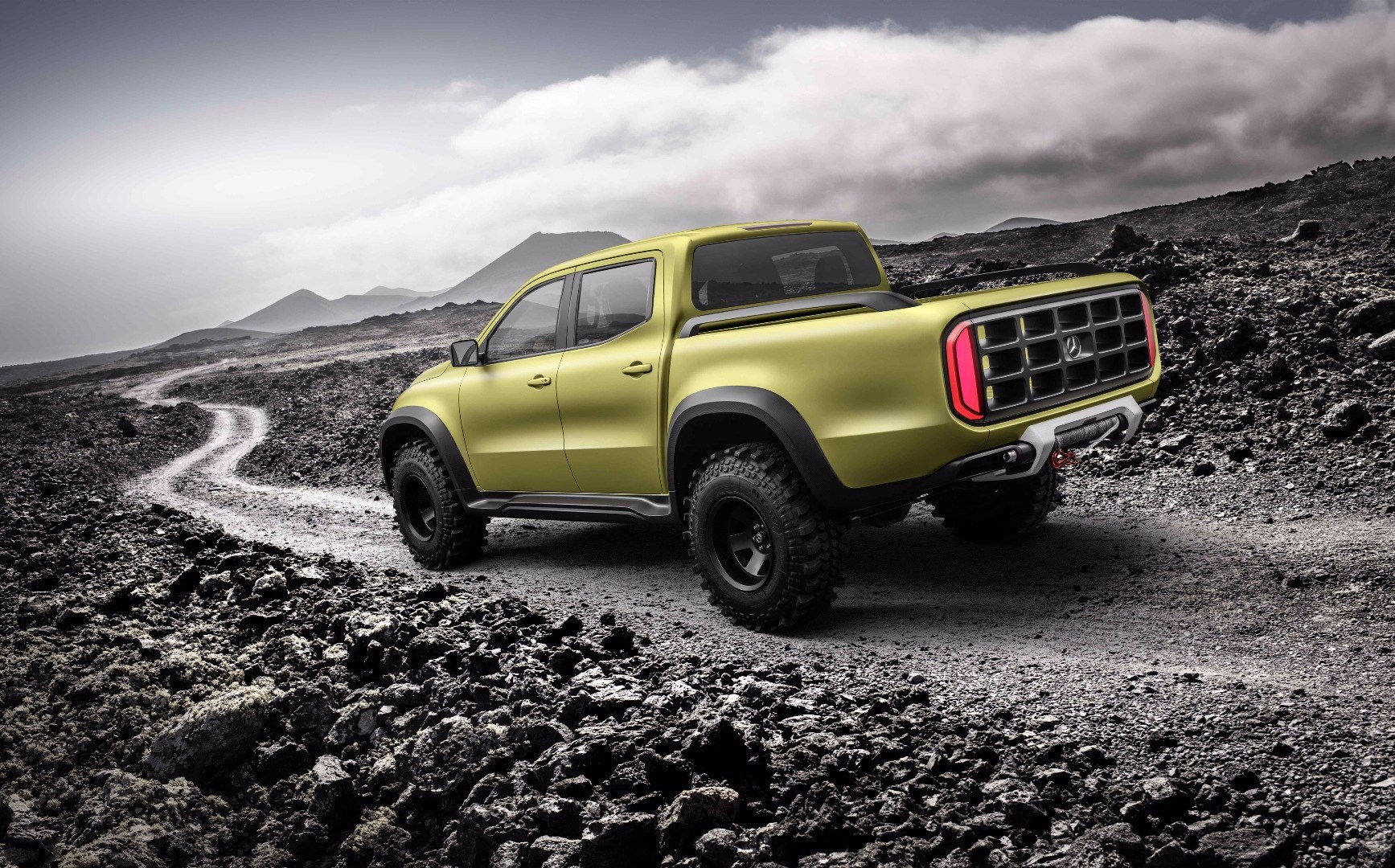 X-Class Concept Is Preamble To Mercedes-Benz's First Pick-Up Thumbnail