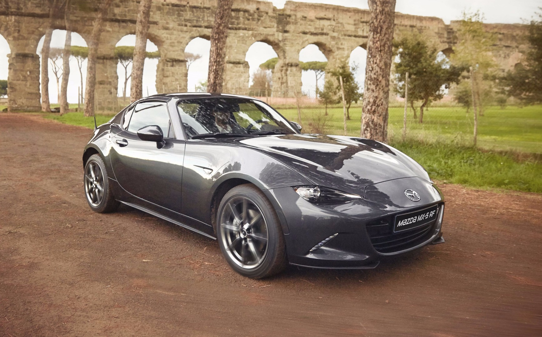 news hard top mazda mx 5 rf arrives with australian pricing. Black Bedroom Furniture Sets. Home Design Ideas