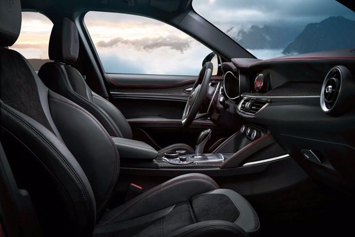 2017 Alfa Romeo Stelvio Quadrifoglio