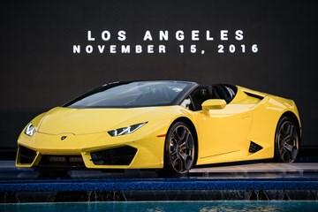 Lamborghini Unveils 2017 Huracan Rear-Wheel Drive Spyder
