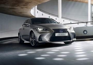 Lexus Hybrids Won't Be Plug-Ins For Now