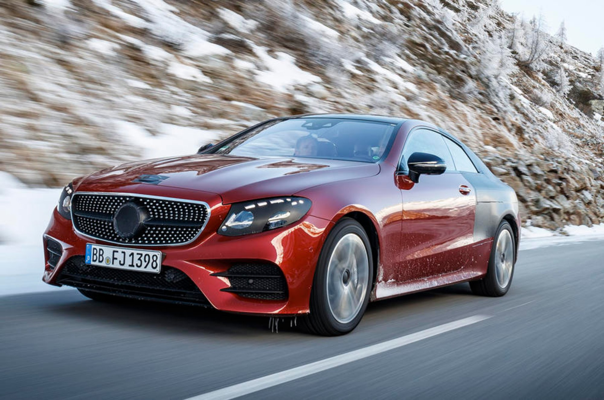news mercedes benz teases 2018 e class coupe ahead of global debut. Black Bedroom Furniture Sets. Home Design Ideas