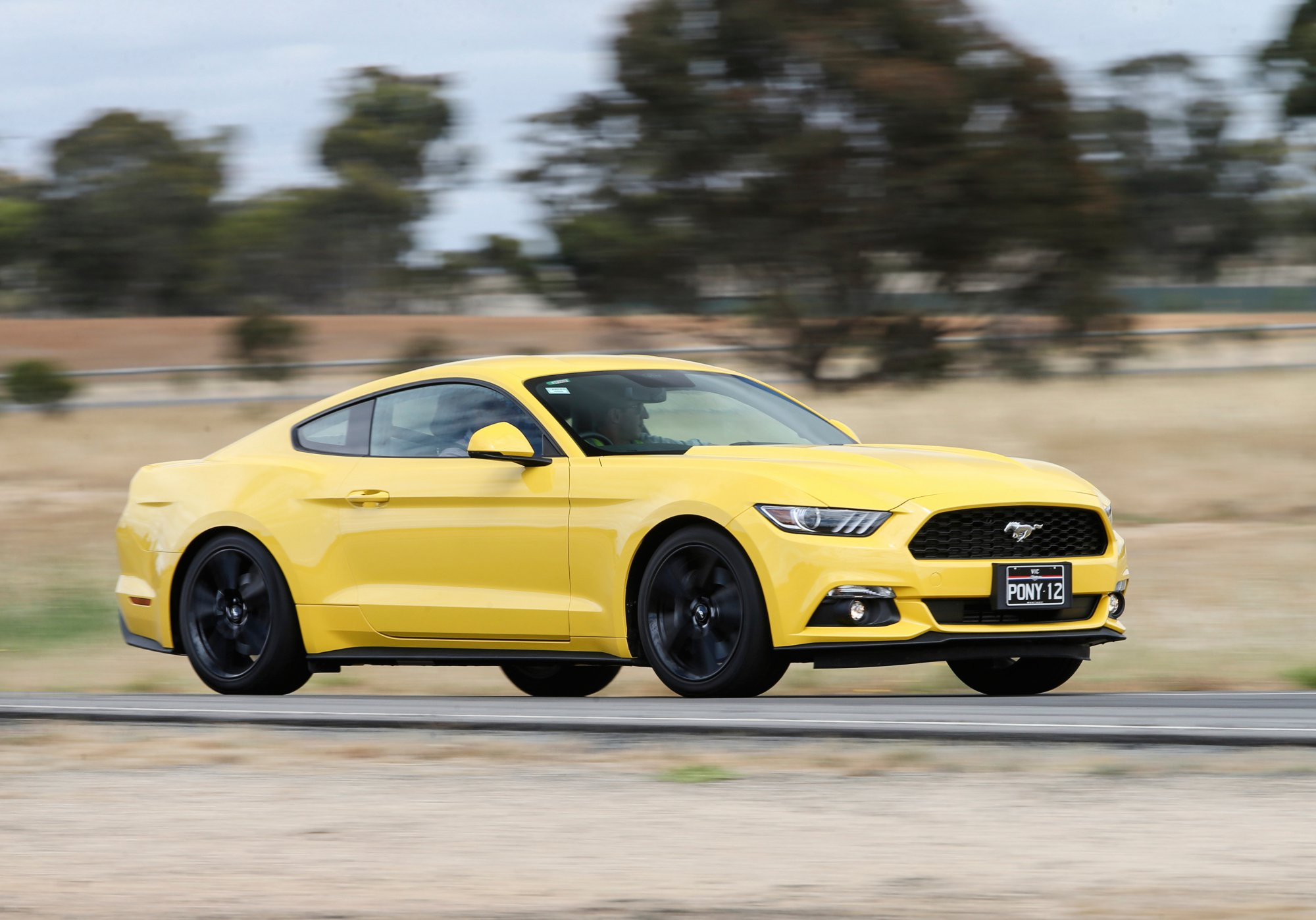 review 2016 ford mustang review. Black Bedroom Furniture Sets. Home Design Ideas