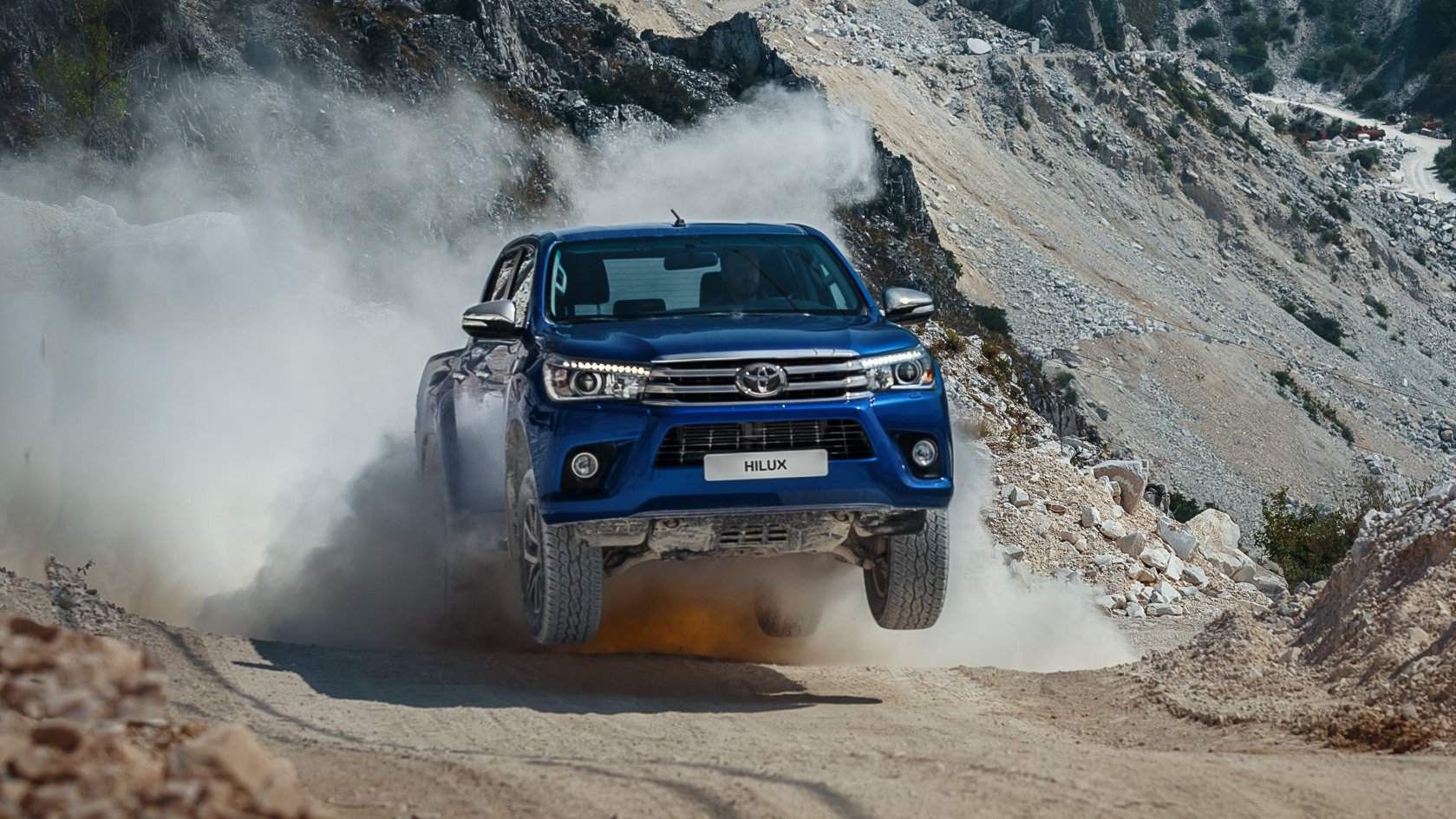 Review 2016 Toyota Hilux Review