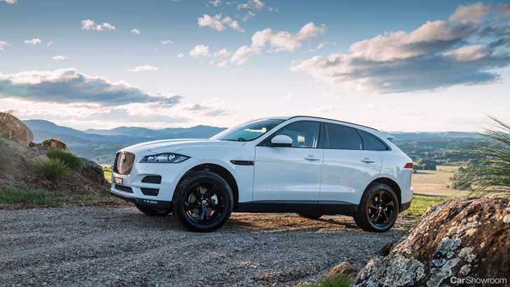 news jaguar f pace crowned 2017 world 39 s best most beautiful car. Black Bedroom Furniture Sets. Home Design Ideas