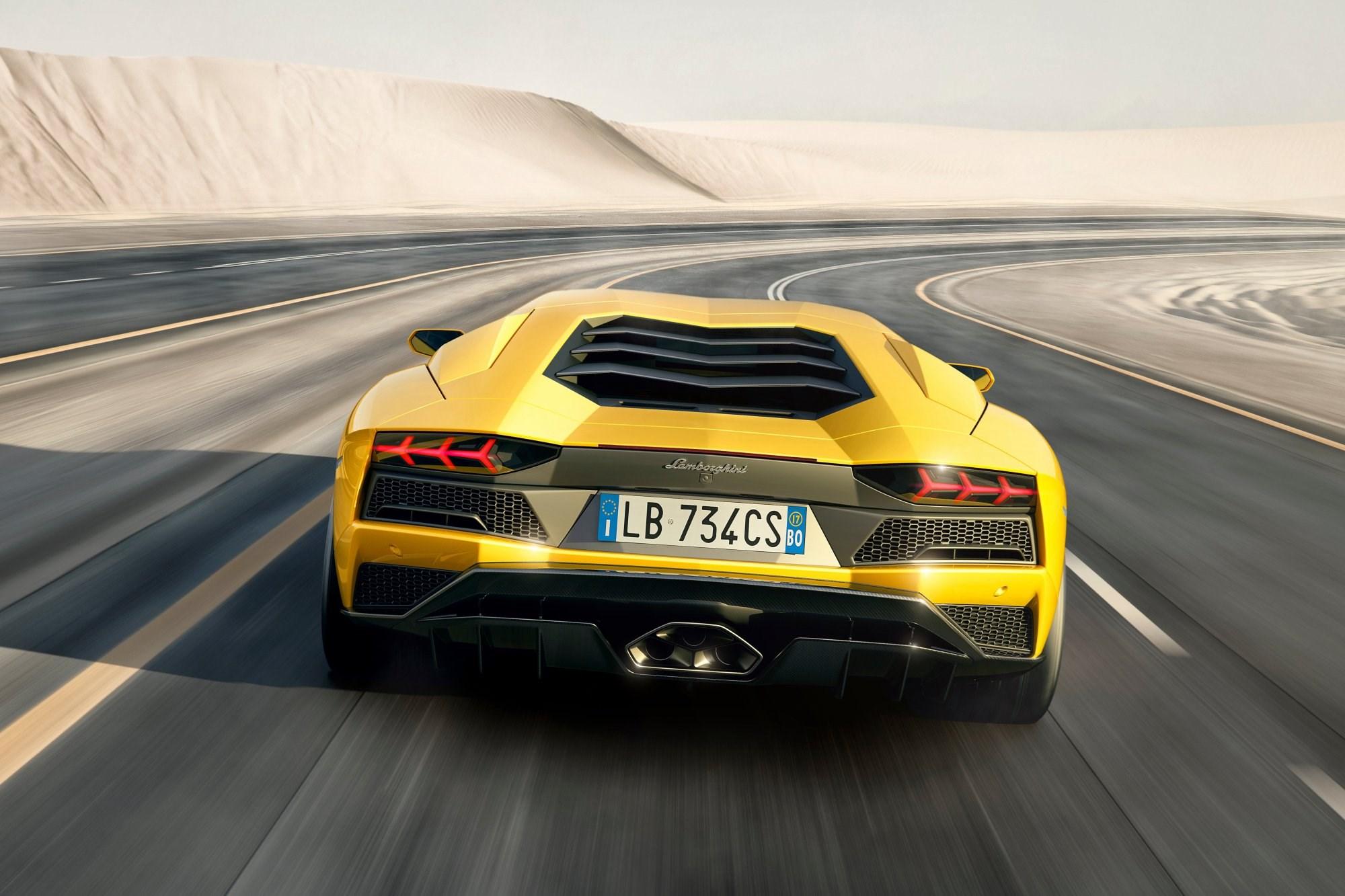 Lamborghini Unveils 2017 Aventador S Thumbnail
