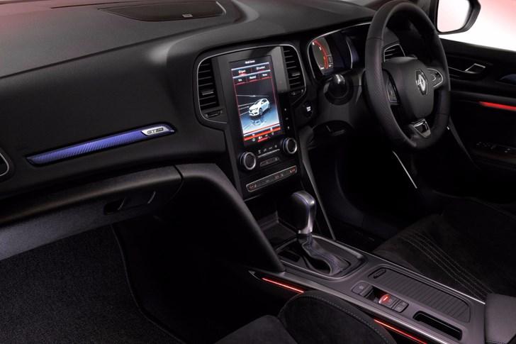2017 Renault Megane - Review