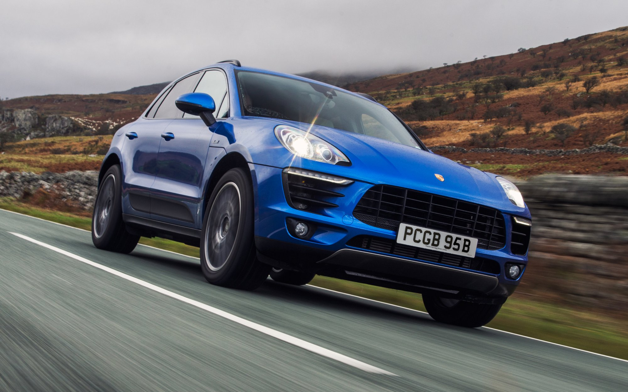 Review 2017 Porsche Macan Review