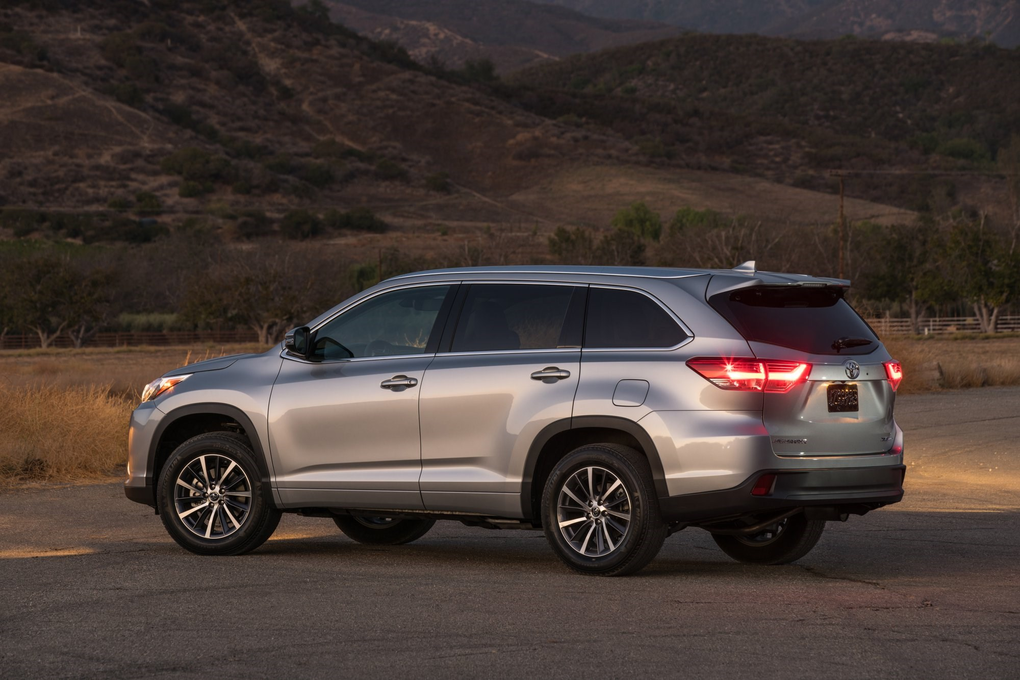 2018 toyota kluger. perfect 2018 2017 toyota kluger  first impressions with 2018 toyota kluger