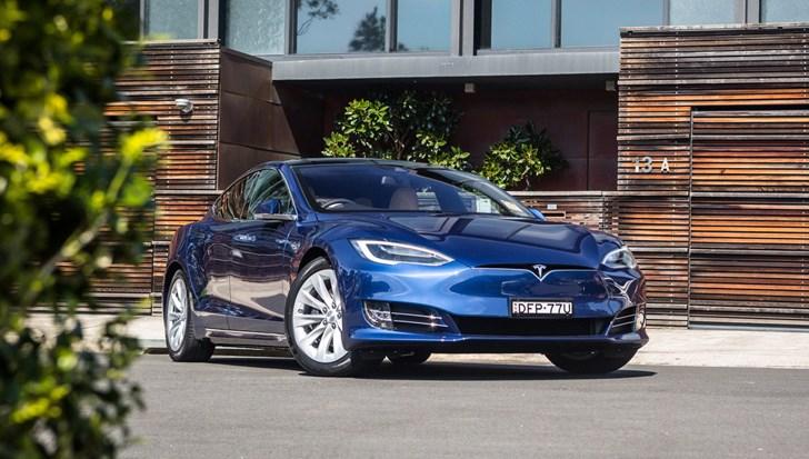 2017 Tesla Model S - Review